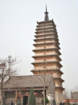 首页 古建筑    妙乐寺塔位于河南省武陟县西南方古怀城遗址上,距武陟